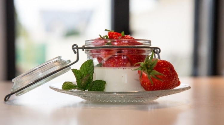 Délice aux fraises ou panna cotta de saison